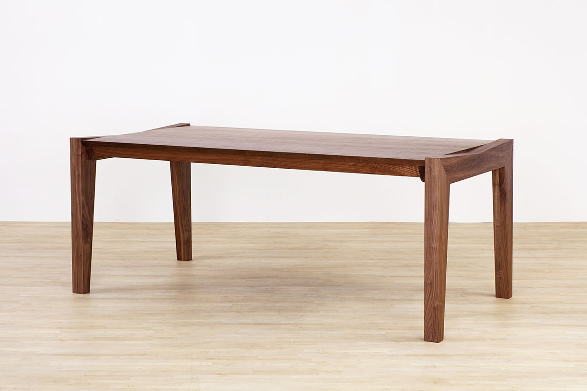 AUTHENTICITY FINE DINING TABLE RF