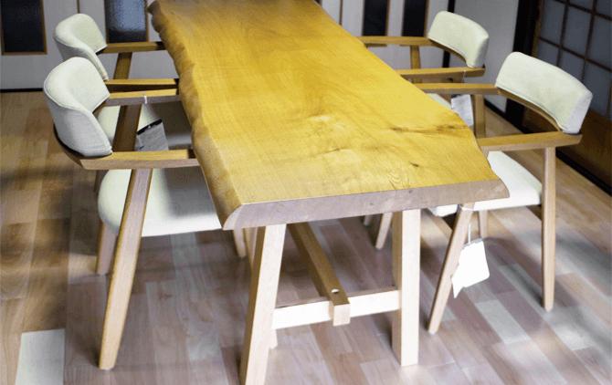 納品事例:一枚板のテーブル