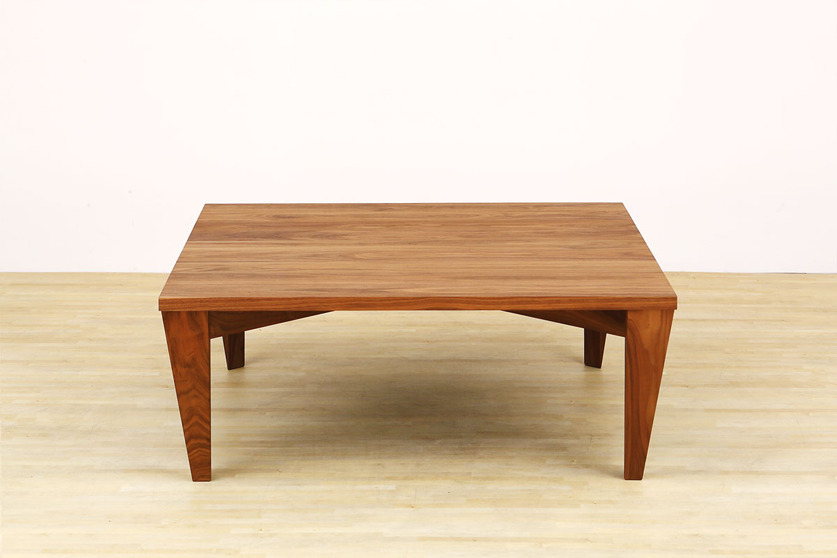 AUTHENTICITY LIVING TABLE T
