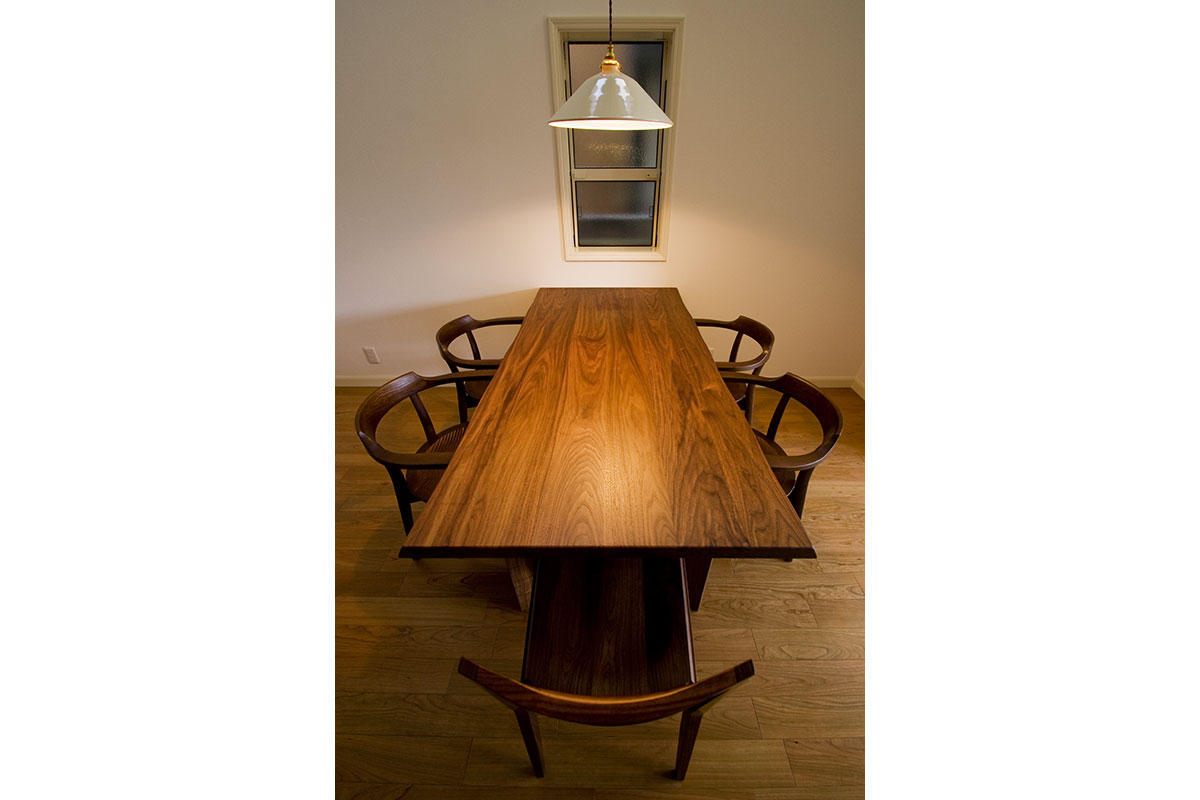 DINING TABLE TM40